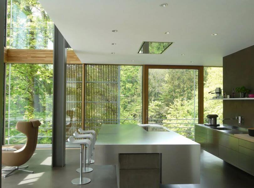 Referenzbild einer Kundenanlage - Bild vom der Küche einer Villa mit Smarthome Ausstattung