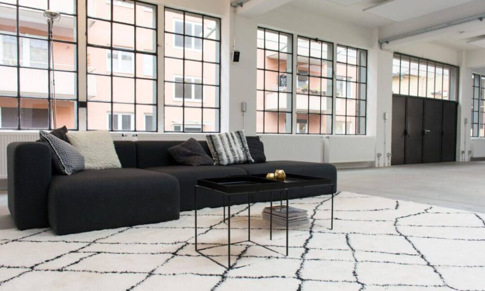 Showroom der Smarthome Werkstatt - Blick auf die Couch